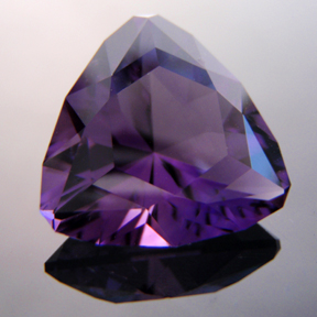 Amethyst Uruguay, Trouble With Tribbles, #151