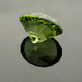 Peridot, Supernova, Pakistan, #536 - Doug Menadue :: Bespoke Gems - Master gemcutter and lapidary artist specialising in fine custom cut precision gems from a wide range of select facet gem rough. Located in Sydney, Australia.