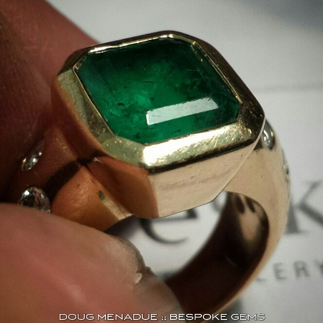 Have to repolish the table on this big Emerald as it's quite worn. Unfortunately I can't do the crown steps because it's still in the setting.  WWW.BESPOKE-GEMS.COM - Precision Gemcutting and Lapidary Services Located In Sydney Australia
