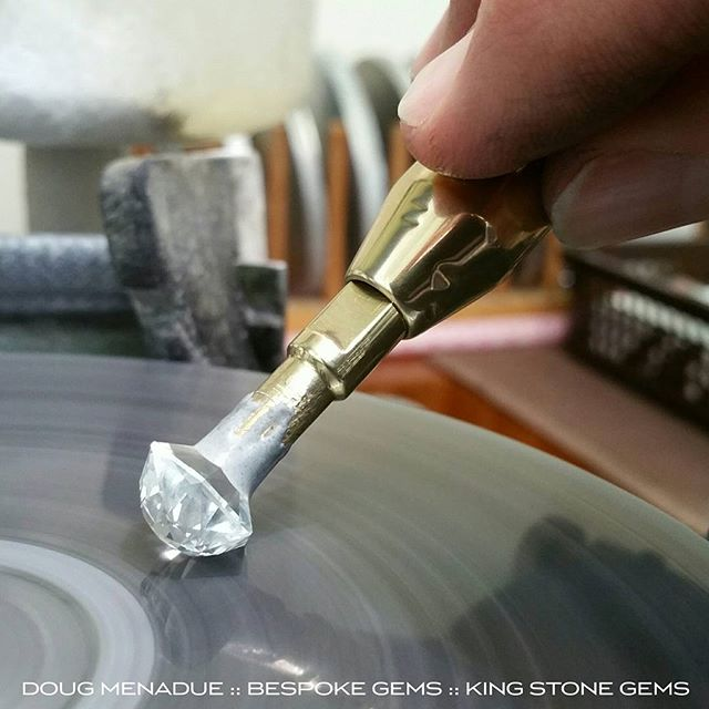 Polishing the crown on my topaz 'Tangier'. It's going to be an absolute stunner. Nice and bright and silvery white. :-) WWW.BESPOKE-GEMS.COM  WWW.KINGSTONEGEMS.COM - Precision Gemcutting and Lapidary Services Located In Sydney Australia